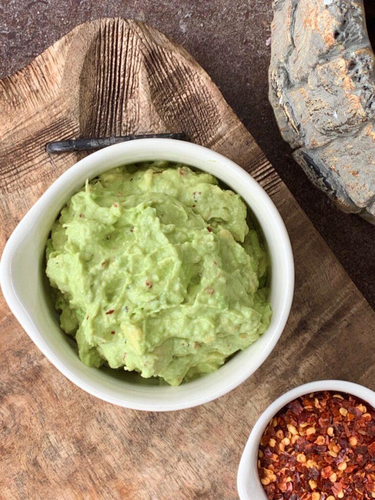 one minute keto guacamole