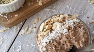 """Peanut Butter and Chocolate Overnight """"Oats"""" { Low Carb 