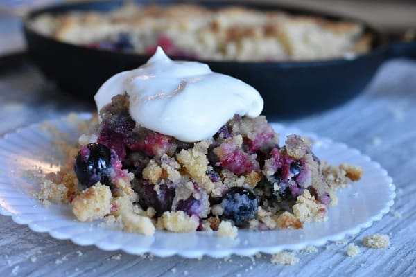 Keto Mixed Berry Crumble