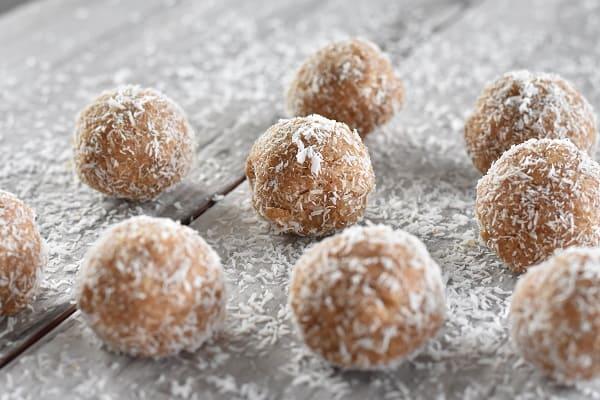 Keto Snowball Cookies